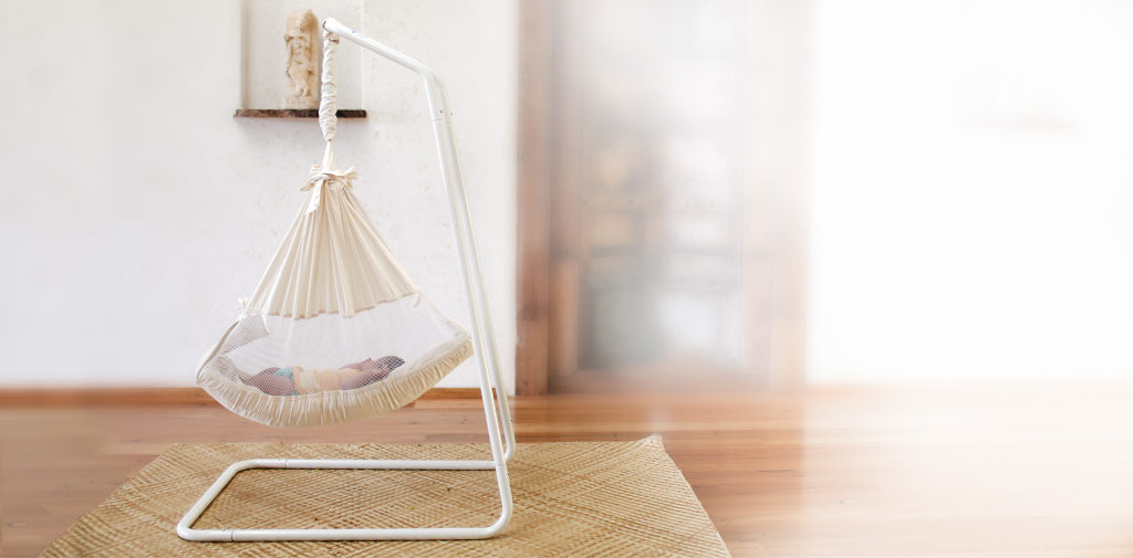 brilliantly-designed-baby-hammock