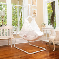 baby-sleeping-in-hammock